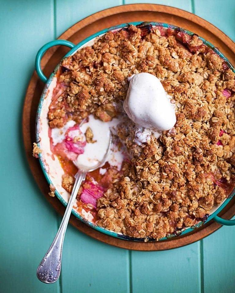 Rhubarb and apple flapjack crumble