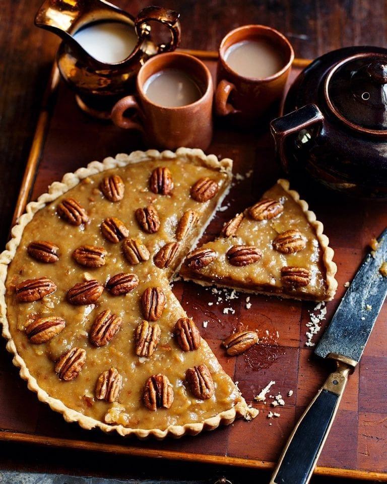 Caramel pecan tart with cream cheese pastry