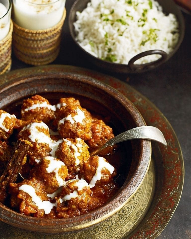 Spicy lamb kofta curry