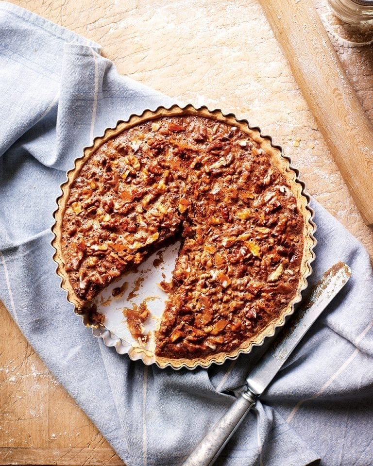 Honey and walnut tart