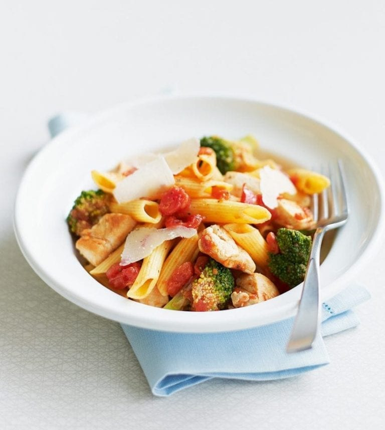 Quick chicken arrabbiata pasta
