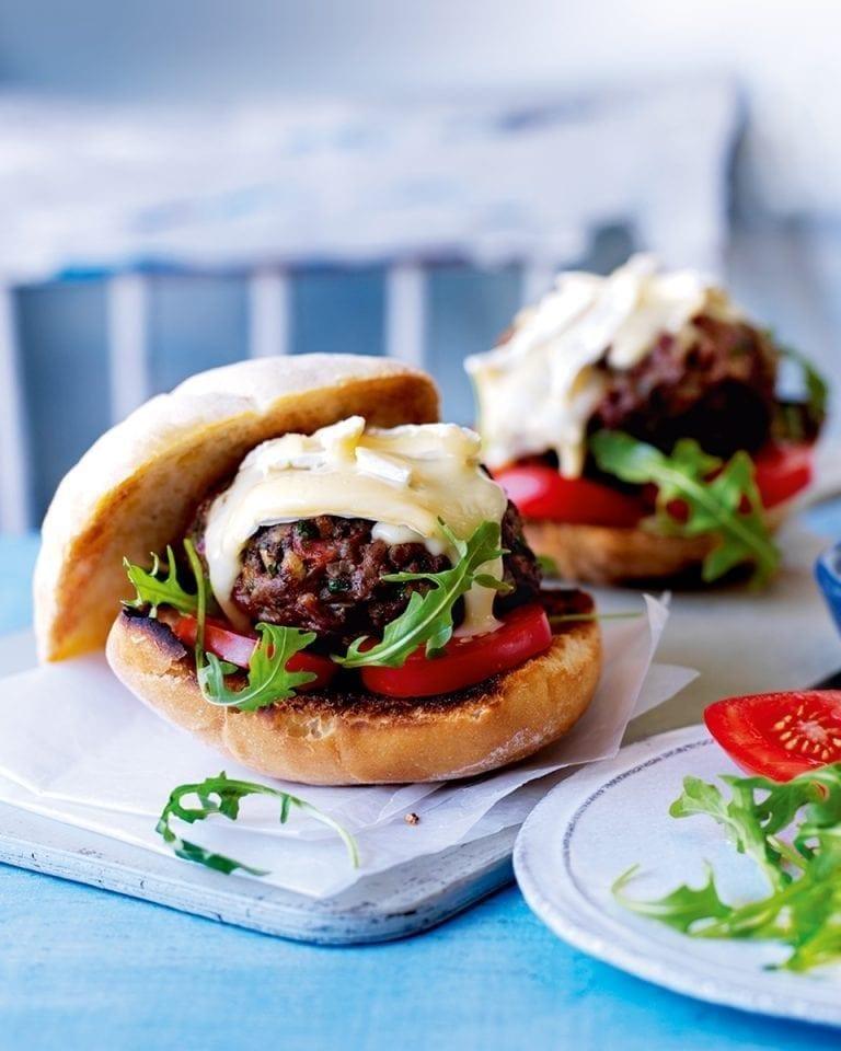 Brie beef burgers