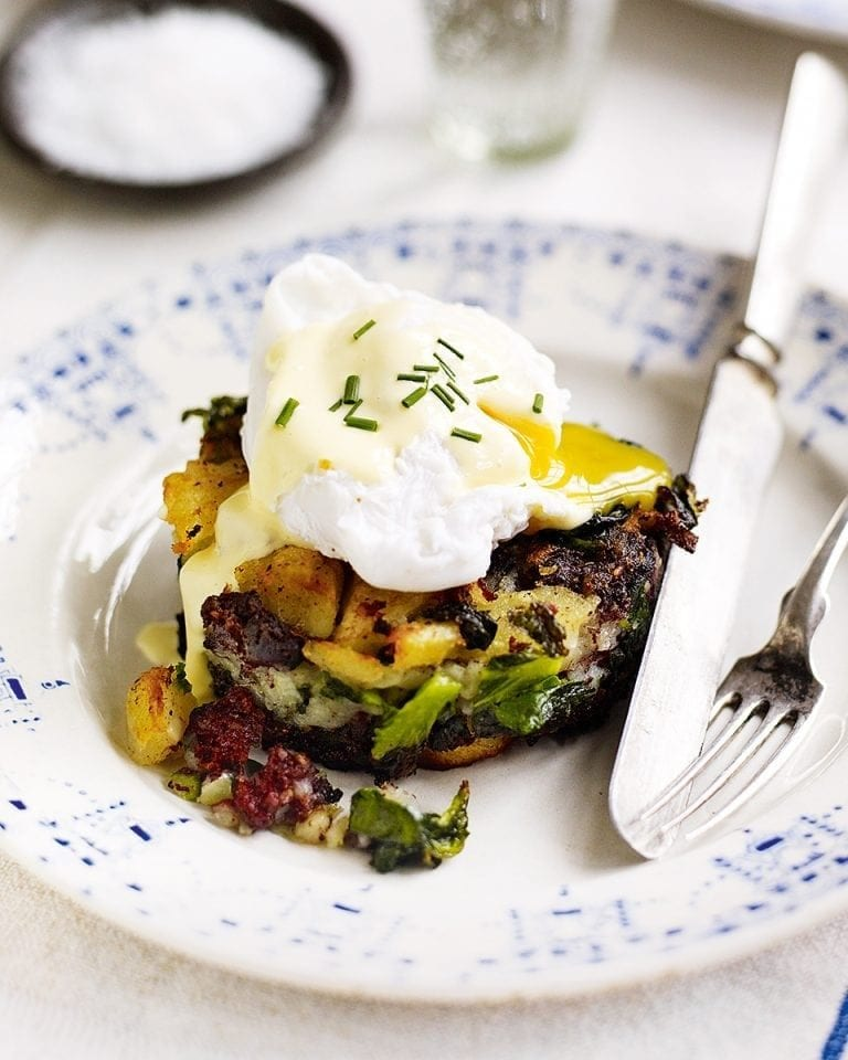 Black pudding bubble and squeak with eggs and hollandaise