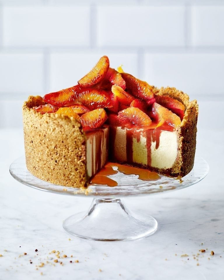 Vanilla cheesecake with blood oranges and caramel