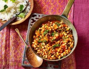 Jollof beans (black-eyed beans in tomato sauce)