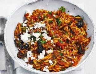Easy orzo pasta with oregano, feta and tomato sauce