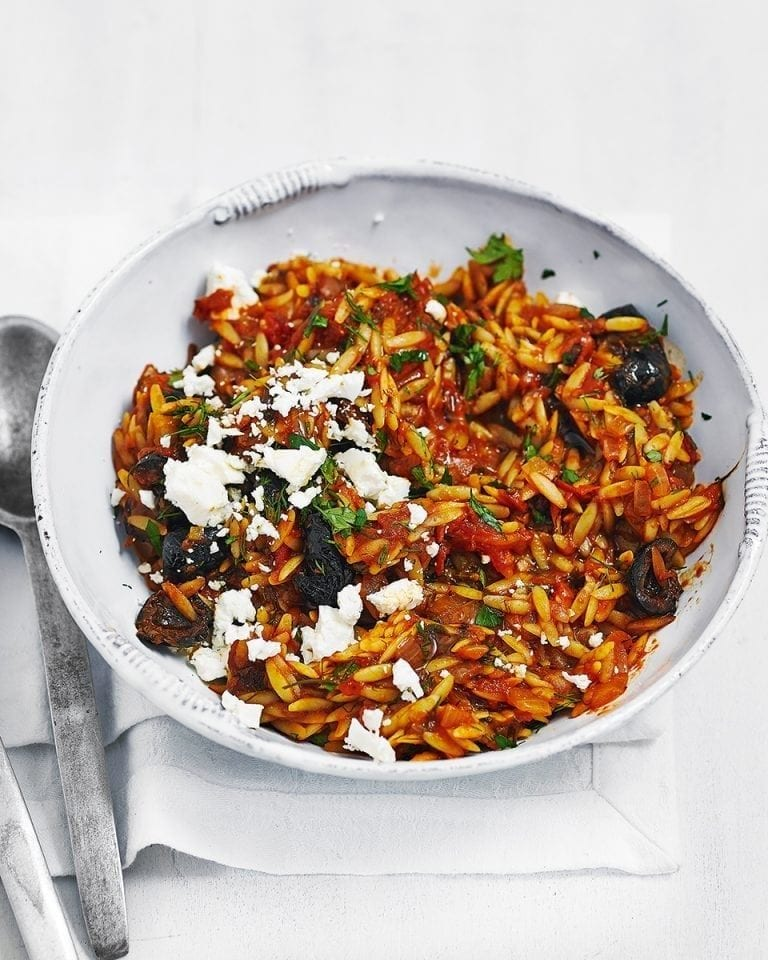 Easy orzo pasta with oregano, feta and tomato sauce