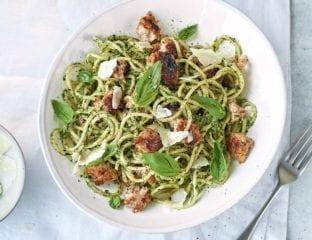 Sausage spaghetti with spinach pesto