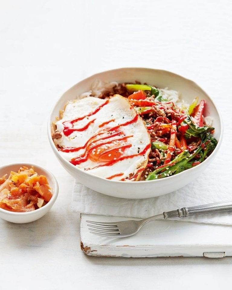 Bibimbap (Korean rice bowl)