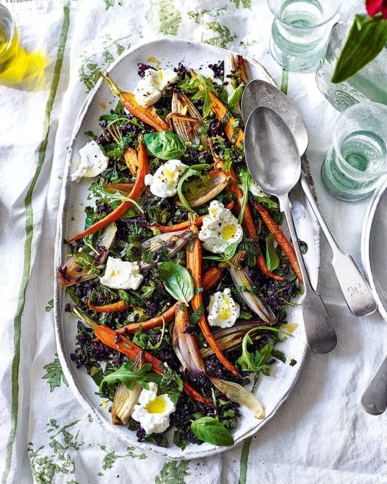 Black rice salad with roasted carrots, shallots and ricotta