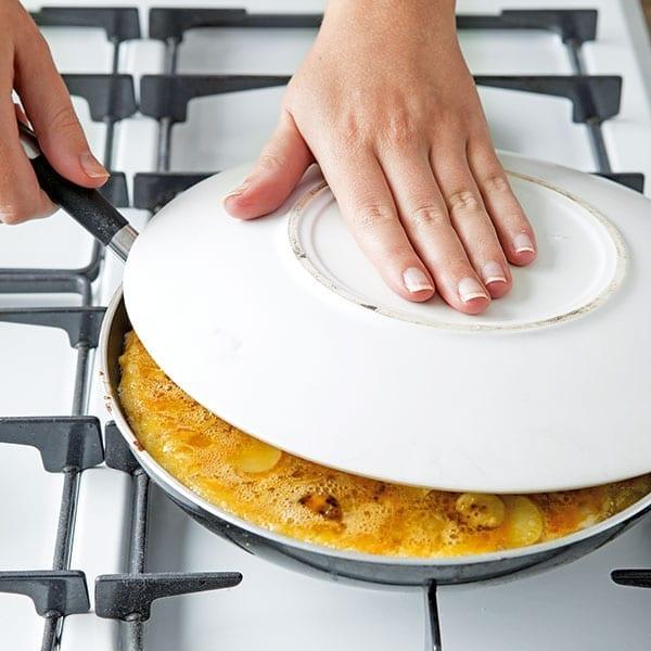 flip-tortilla-step-2