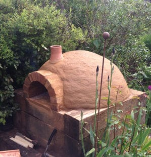 How to build a wood-fired pizza oven