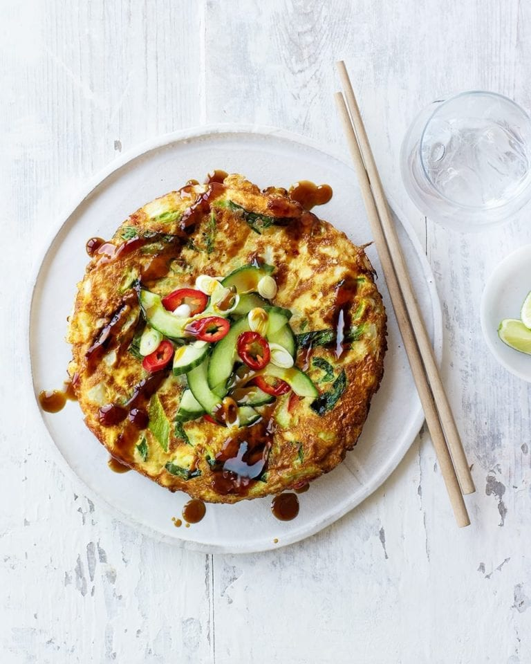 Japanese-style omelette (okonomiyaki)
