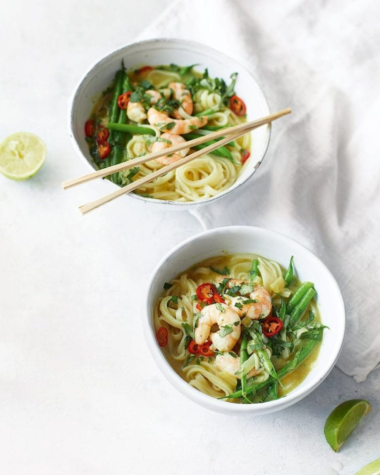 Thai yellow prawn noodle soup