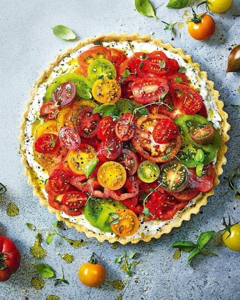 Tomato, thyme and ricotta tart