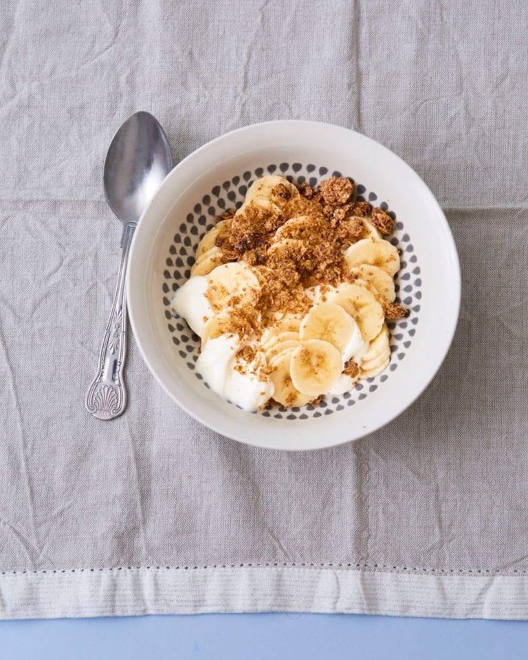 Quick chocolate and banana yoghurt bowl