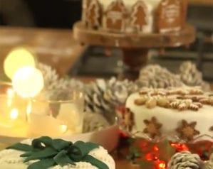 Three stunning ways to decorate your Christmas cake