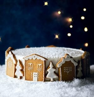 How to decorate your Christmas cake with gingerbread houses