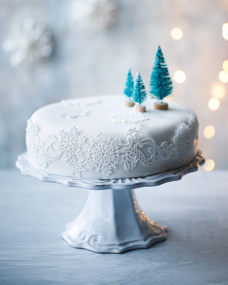 10 Ways To Decorate Your Christmas Cake Delicious Magazine