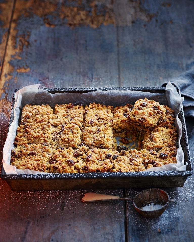 Rum butter mincemeat and pecan crumble slices