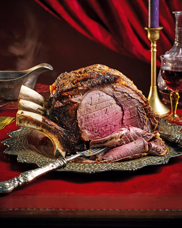 Roast rib of beef with a golden crust