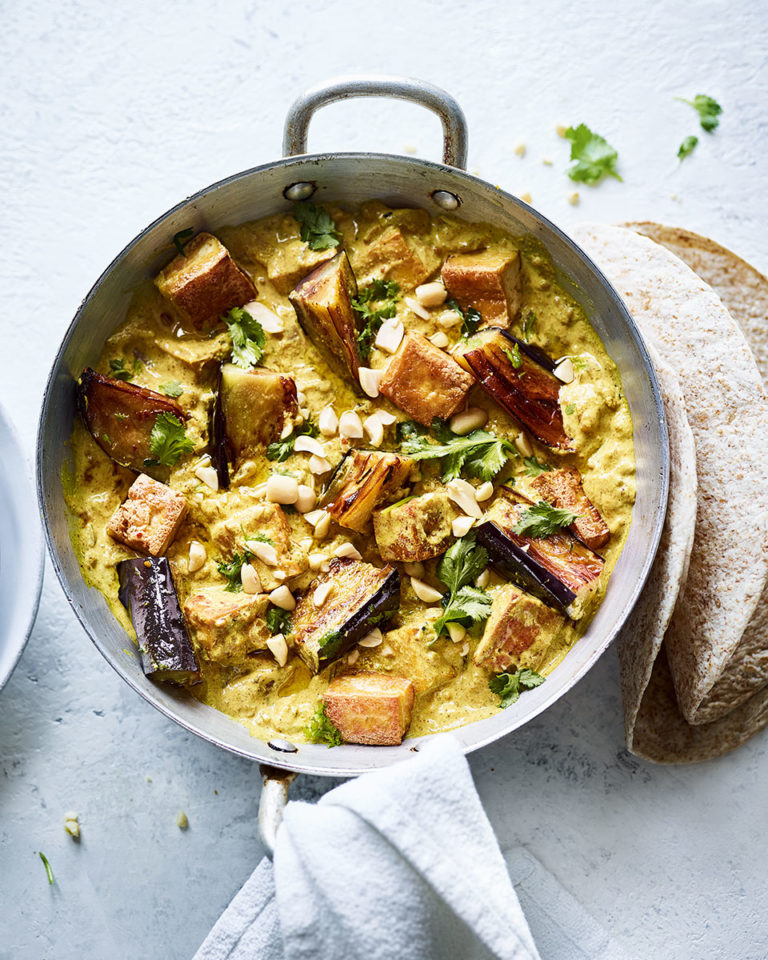 Aubergine and tofu curry
