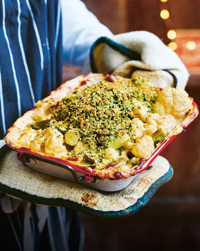 Herb-crusted cauliflower and leek 'cheese'