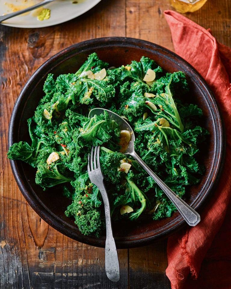 Garlicky buttered kale