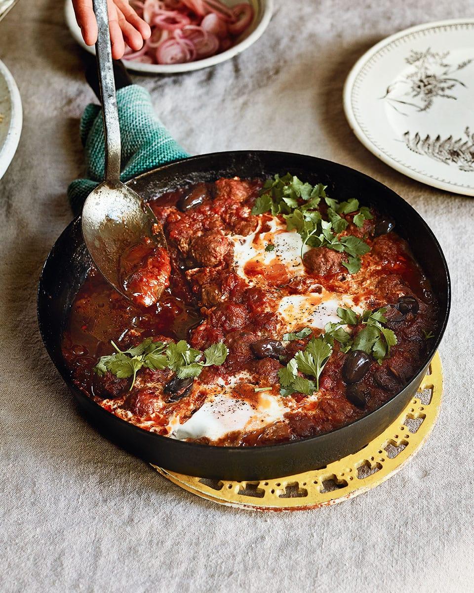 Kefta meatballs with eggs