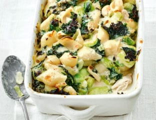 Blue cheese and chicken pasta bake