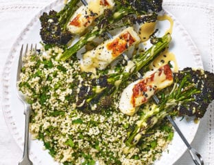 Purple sprouting broccoli and halloumi skewers