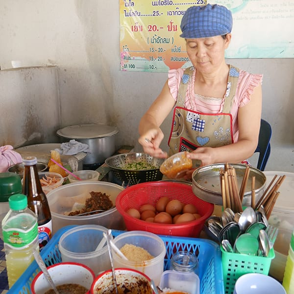 Making Khao Soi Noi