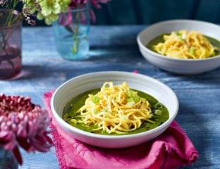 Garlic spinach longevity noodles