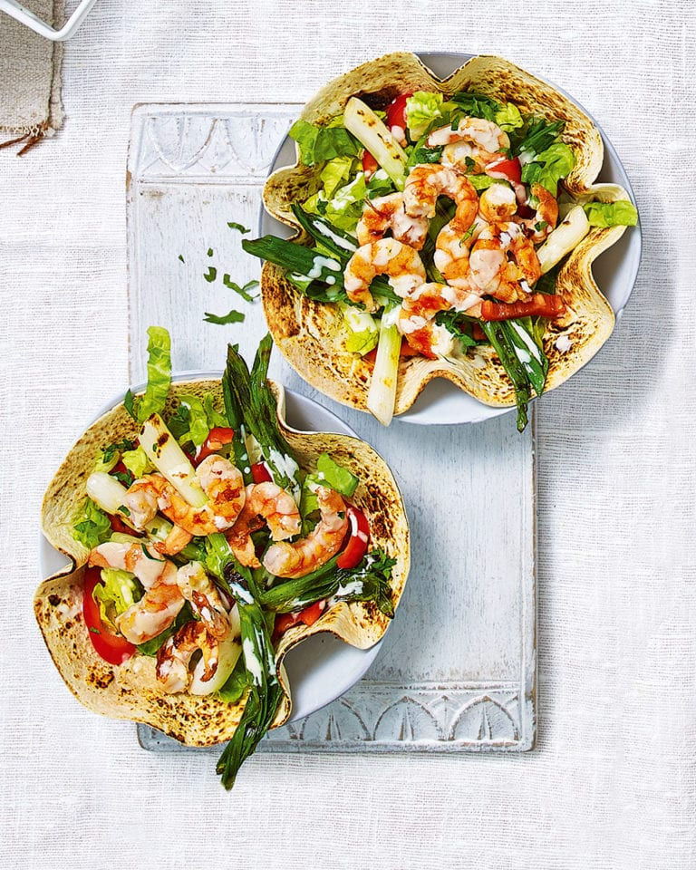 Taco salad bowls with prawns