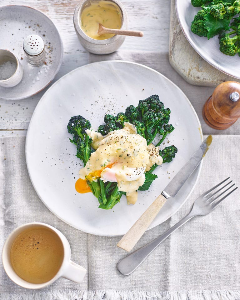 Poached egg, purple sprouting broccoli and tarragon hollandaise
