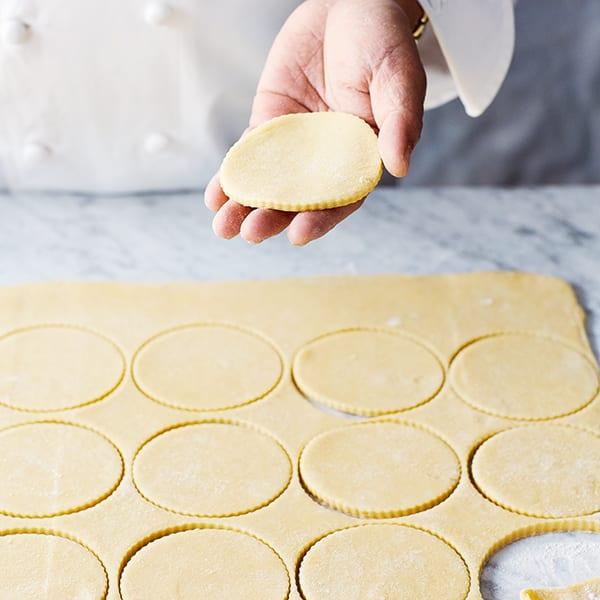 pastry discs