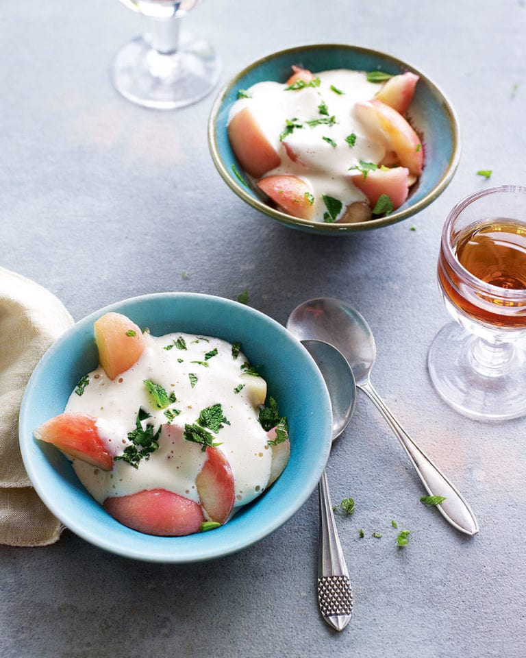Poached peaches with zabaglione