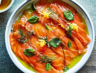 Cured salmon with crème fraîche and dill