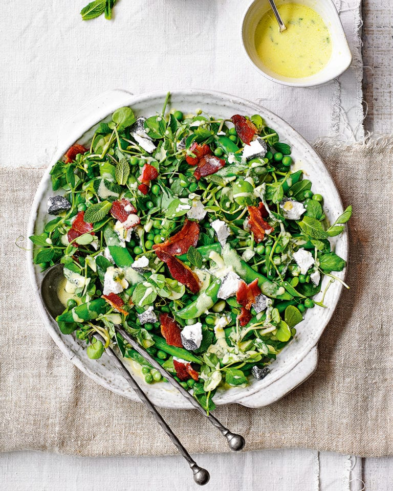Bacon, pea and goat's cheese salad