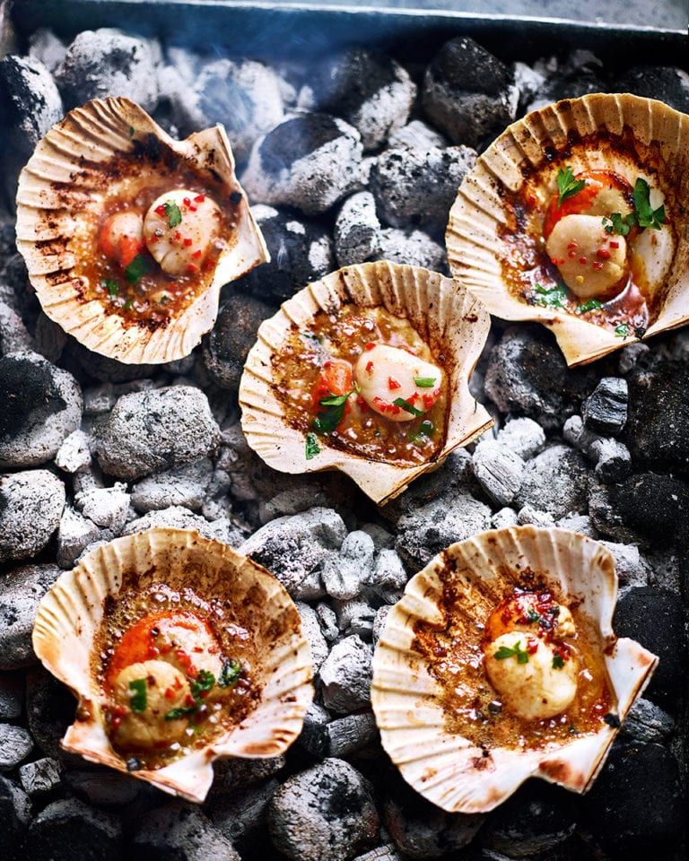 Scallops with garlic, chilli and anchovy butter