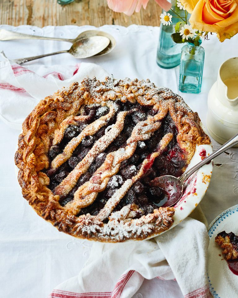Traditional cherry pie