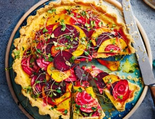 Goat's cheese and marinated beetroot quiche