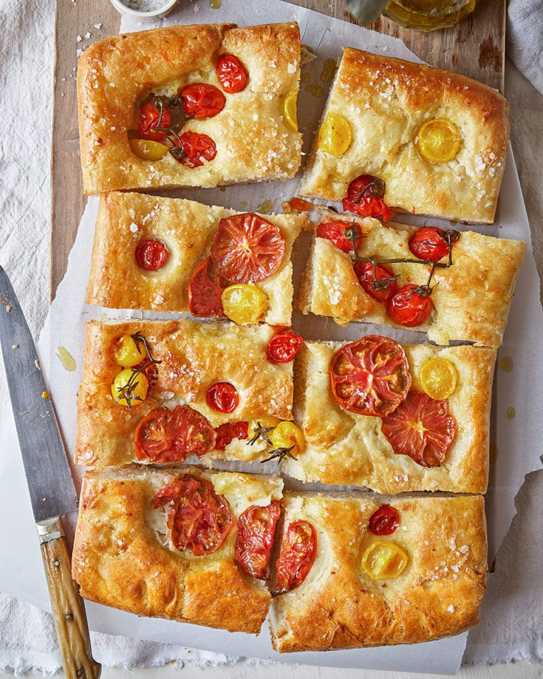 Focaccia pugliese with fresh tomatoes