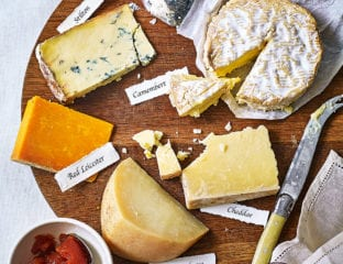How to make a Christmas cheeseboard