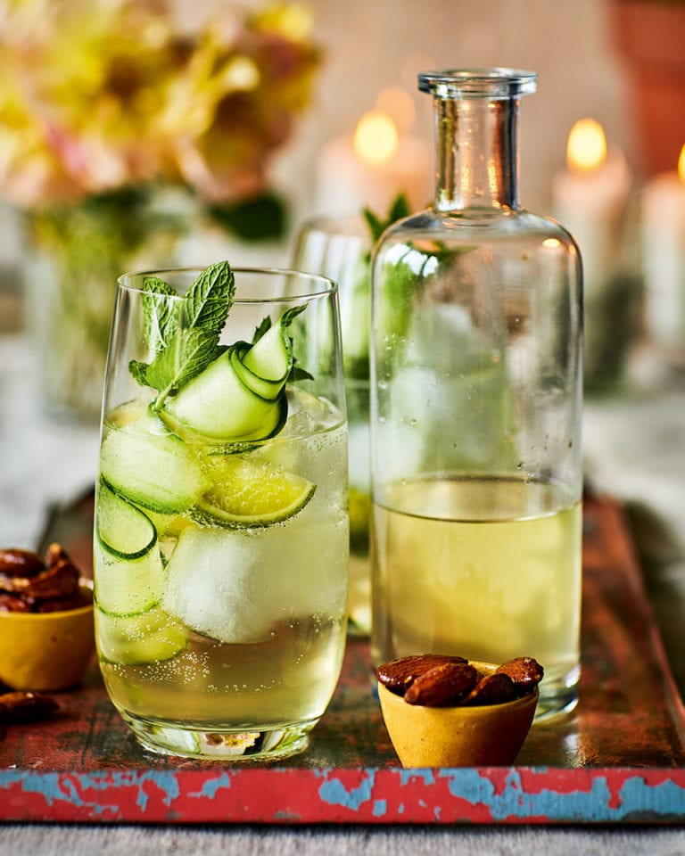 Elderflower prosecco with cucumber
