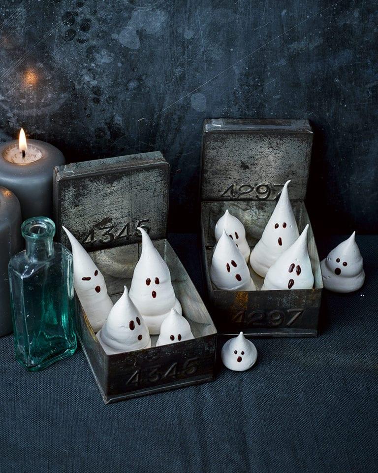 Meringue ghosts for Halloween