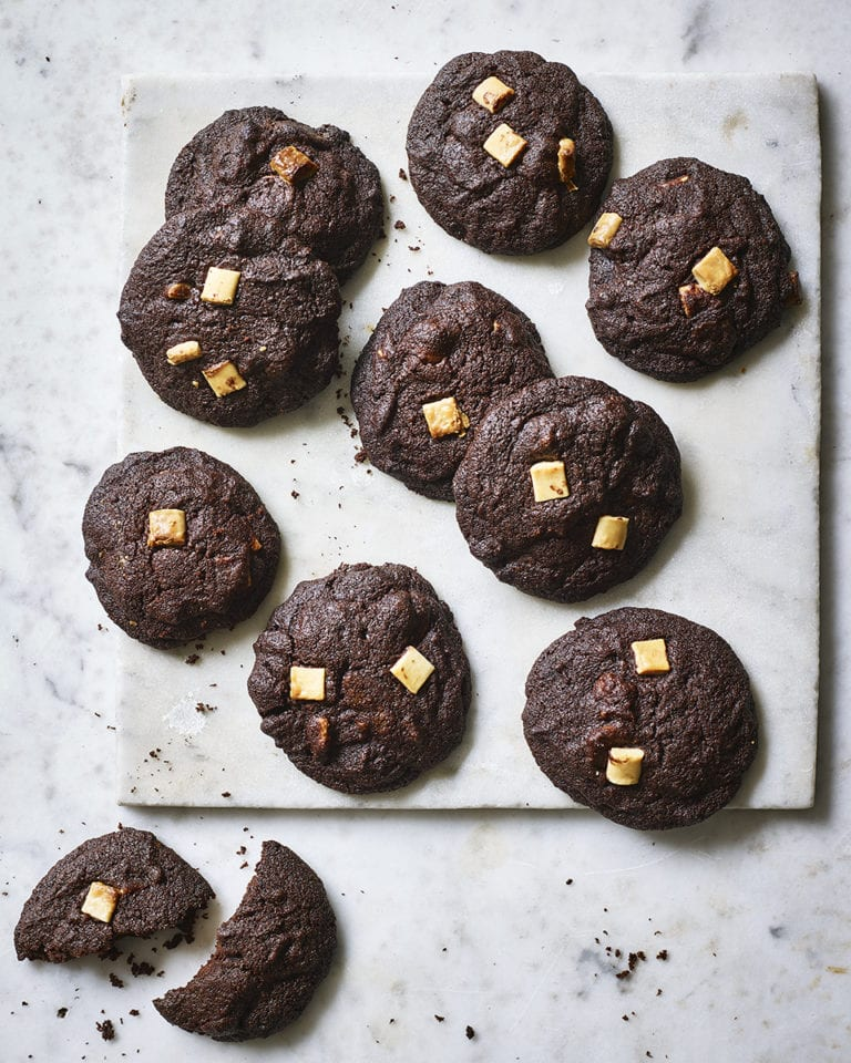 Triple chocolate pan-bang cookies