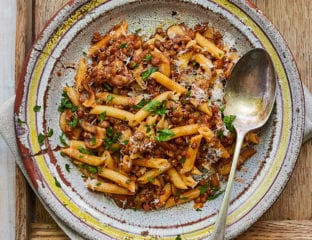 Penne with lentils and mushrooms
