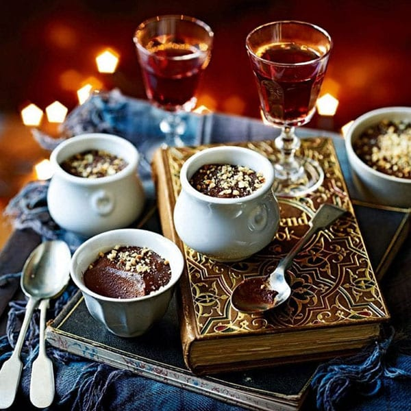 Banana and hazelnut chocolate pots