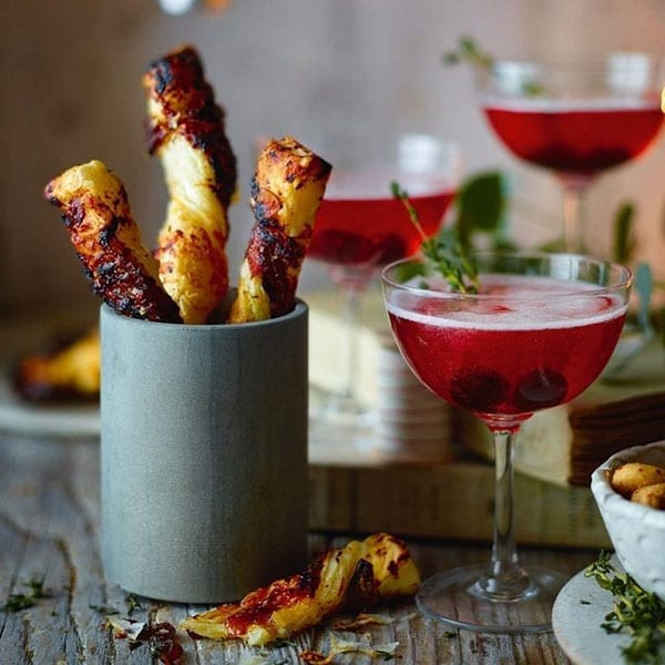 Red onion chutney, olive and goat's cheese twists